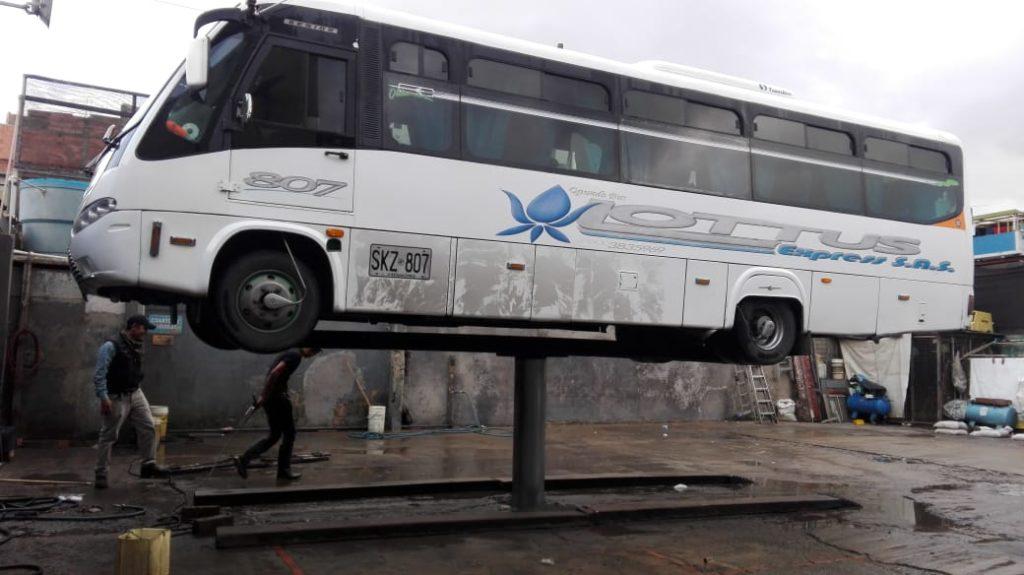 Gato hidráulico para bus